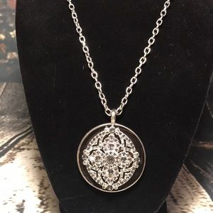 Jewelry - ✨Medallion style crystal necklace w/ earrings NWT✨